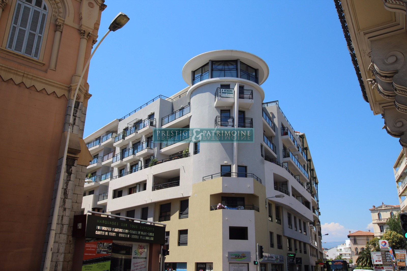 Vente Immobilier Professionnel Local commercial Cannes (06400)
